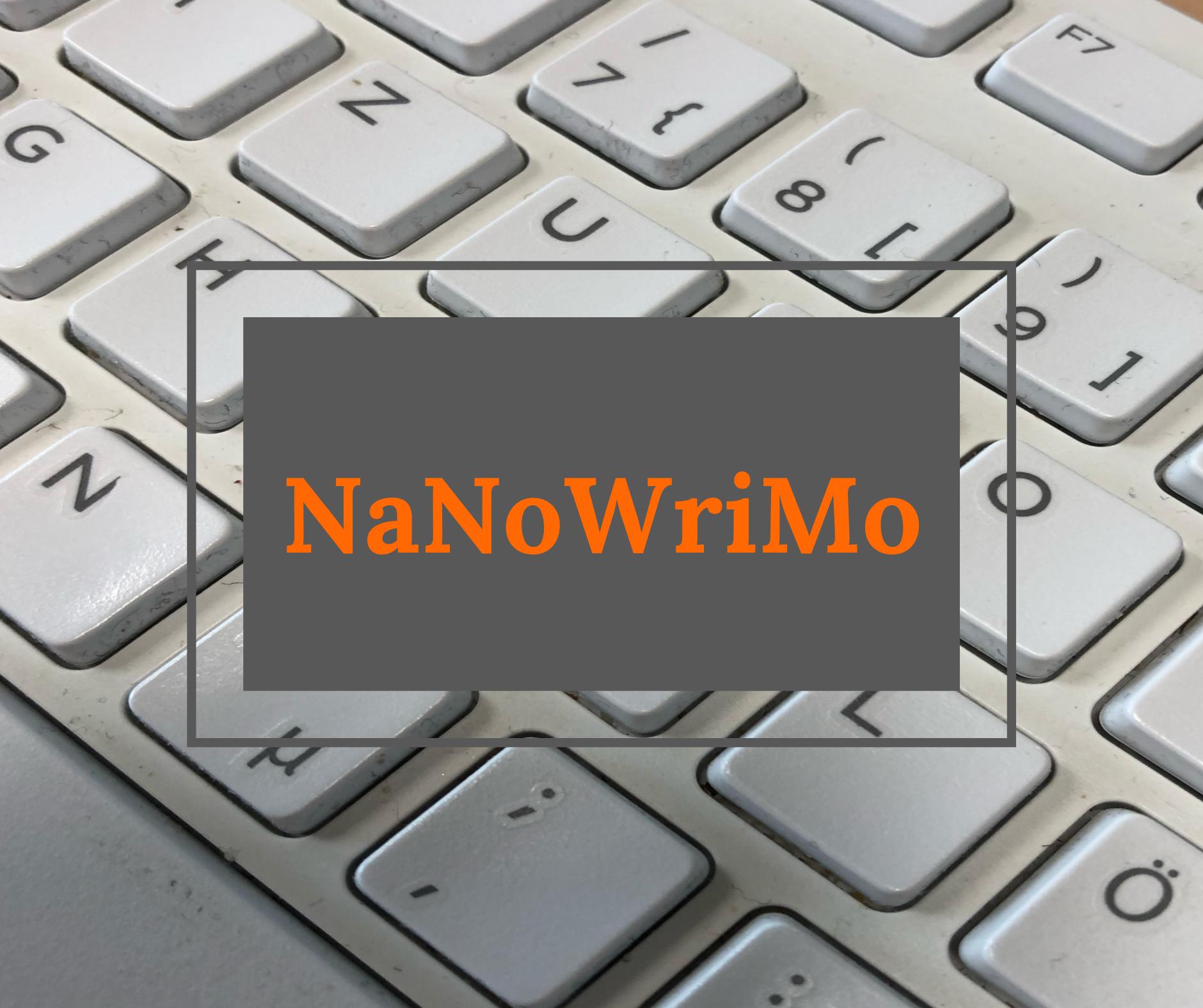 Computertastatur mit Aufschrift NaNoWriMo